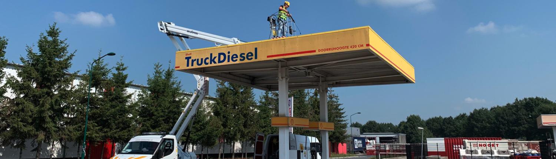 Truckdiesel luifelreiniging